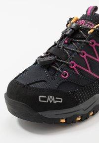 CMP - KIDS RIGEL LOW SHOE WP UNISEX - Hiking shoes - antracite/bounganville - 2