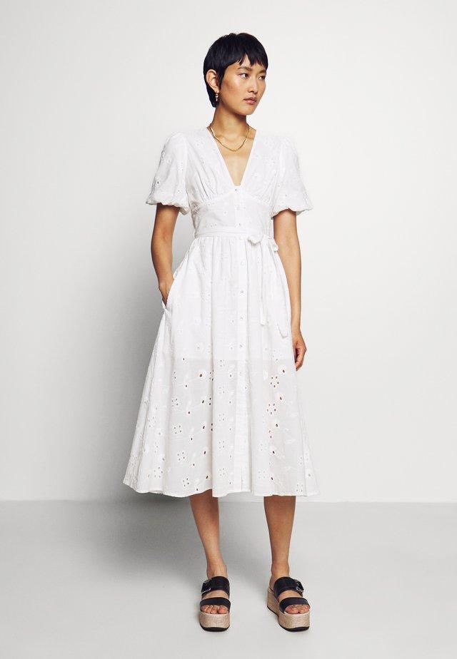 PUFF SLEEVE MIDI - Košilové šaty - white