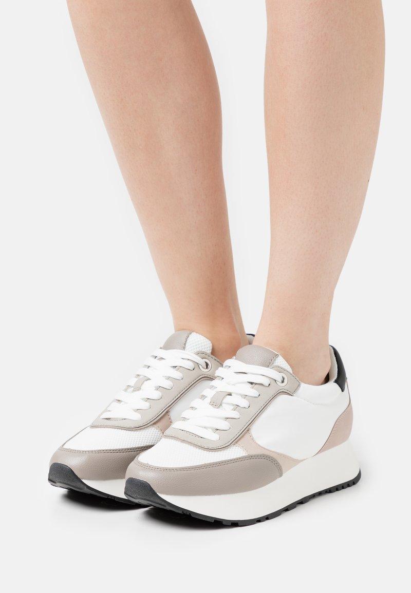 PARFOIS - Sneakersy niskie - white