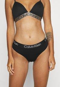 Calvin Klein Underwear - MODERN STRUCTURE HIGH LEG BRAZILIAN - Slip - black - 0