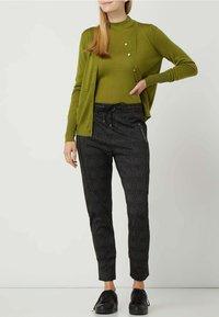 MAC Jeans - GLENCHECK MODELL 'FURTURE 2.0' - Trousers - dunkelgrau - 1
