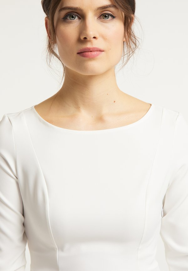 usha BLUSE - Bluzka - ecru/biały QURA
