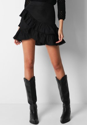 WITH DOUBLE FRILL - Gonna a campana - black