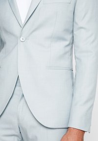 Isaac Dewhirst - WEDDING SUIT - Completo - light green - 7
