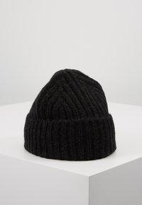 CLOSED - KNITTED HAT - Čepice - black - 2