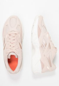 Reebok Classic - AZTREK 96 - Trainers - buff/chalk/pink/orange - 3