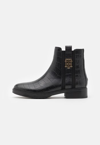 CROCO LOOK DRESSY FLAT BOOT