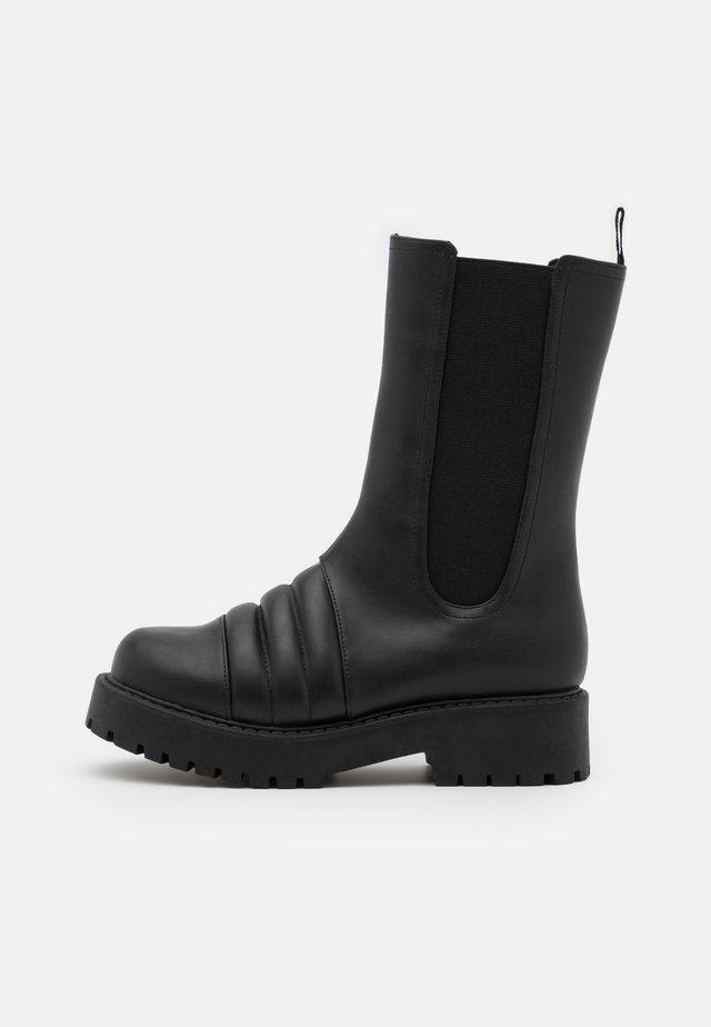 UNO BOOT - Stivali con plateau - black
