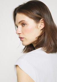 Anna Field - Jednoduché triko - white - 3