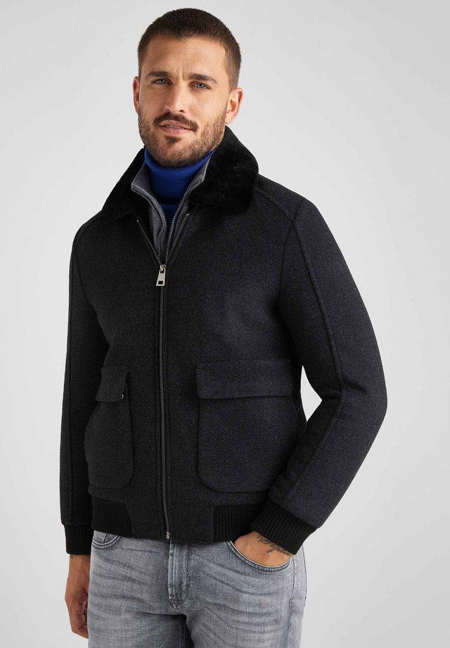 MIT ABNEHMBAREM ECHTFELLKRAGEN - Winter jacket - anthrazit