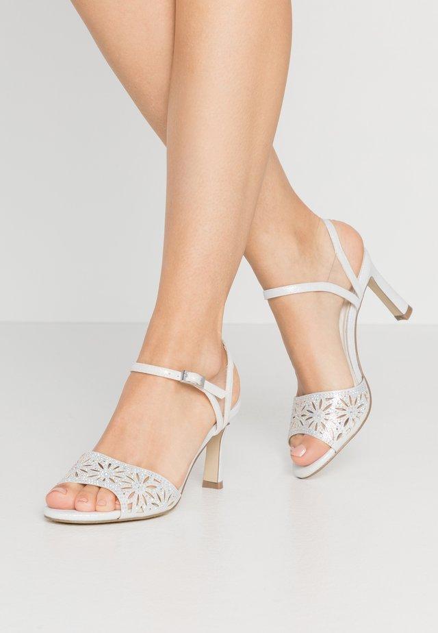 Sandaletter - ivory
