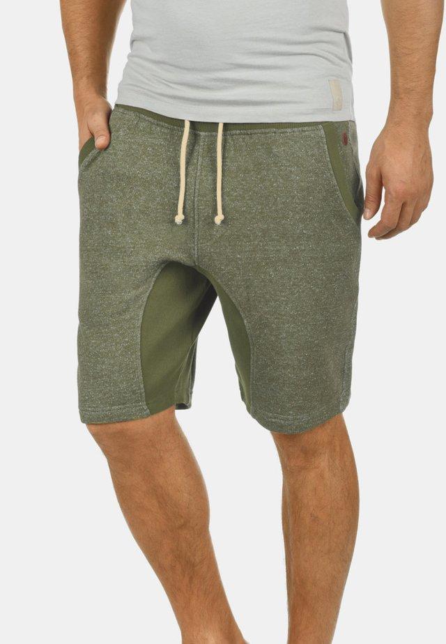 SMASH - Shorts - ivy green
