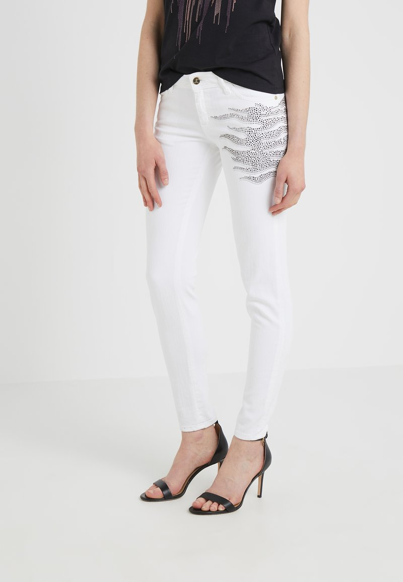 Just Cavalli - PANTALONE - Jeans Slim Fit - white denim