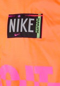 Nike Sportswear - Veste coupe-vent - atomic orange/black - 6