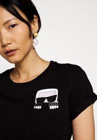 KARL LAGERFELD - IKONIK POCKET - Print T-shirt - black - 3