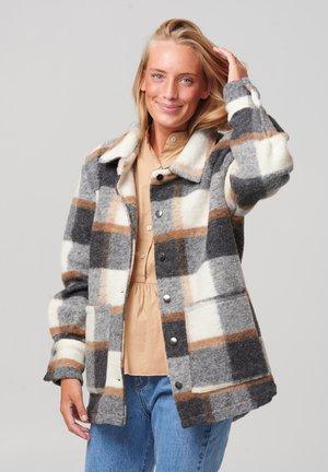 VIKSA - Short coat - grey camel checks