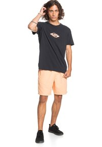 Quiksilver - BRAIN WASHED 18 - Shorts - coral sands - 1