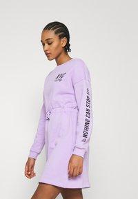 Even&Odd - sweat mini drawstring waist dress - Day dress - lilac/black - 3
