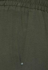 Cecil - Trousers - grün - 4