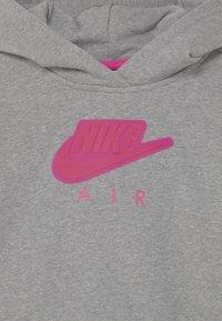 Nike Sportswear - AIR CROP HOODIE  - Jersey con capucha - carbon heather/fireberry - 2