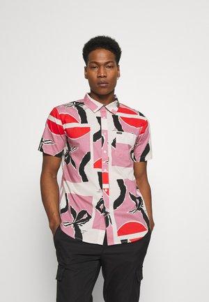 CHARTER PRINT - Shirt - pink/red