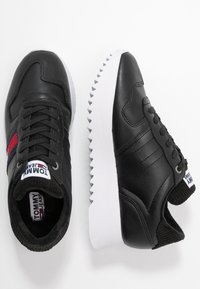 Tommy Jeans - HIGH CLEATED SEASONAL  - Sneakers - black - 3