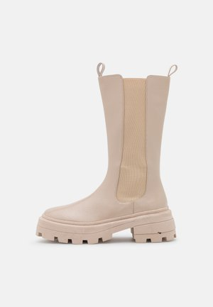 SLENDER CHELSEA BOOT - Platform boots - creme