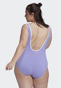 adidas Originals - ADICOLOR CLASSICS PRIMEBLUE BADEANZUG – GROSSE GRÖSSEN - Swimsuit - purple - 1