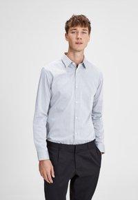 Jack & Jones PREMIUM - Shirt - grey melange - 0