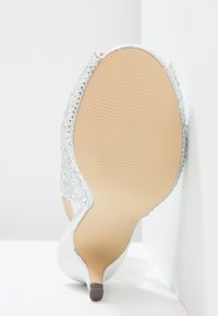 Paradox London Pink - WIDE FIT CELESTE - Peep toes - silver glitter - 5