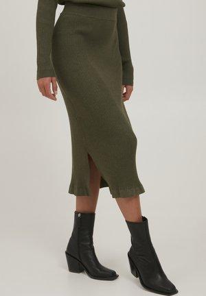 SARA - Pencil skirt - grape leaf melange