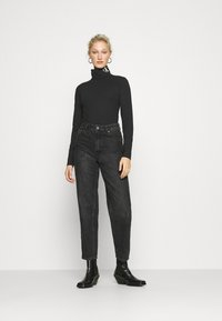 Calvin Klein Jeans - NECK ROLL NECK - Long sleeved top - black - 1