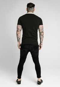 SIKSILK - SIKSILK PREMIUM TAPE  - Polo - black & off white - 2