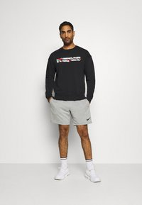 Under Armour - RIVAL CREW - Mikina - black - 1