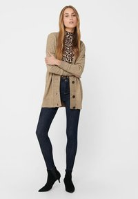 ONLY - ONLSANDY BUTTON CARDIGAN - Gilet - pumice stone - 1