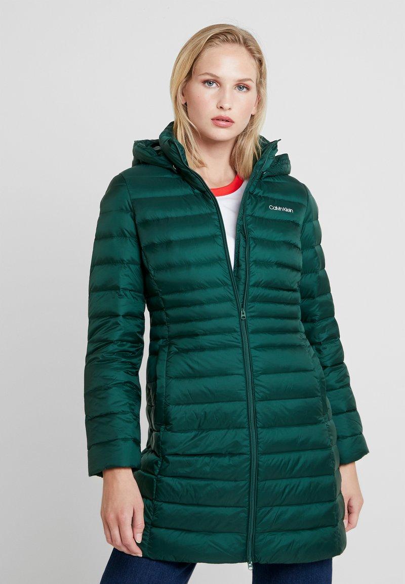 Calvin Klein - ESSENTIAL LIGHT COAT - Down coat - dark green