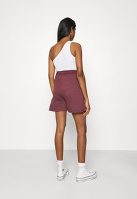 Missguided - MSGD SPORTS RAW HEM - Shorts - burgundy - 2