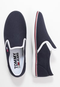 Tommy Jeans - ESSENTIAL SLIP ON SNEAKER - Loafers - twilight navy - 3