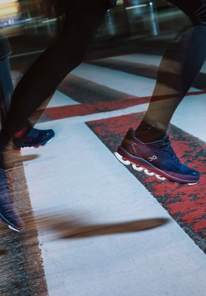 CLOUDACE - Stabilty running shoes - midnight navy