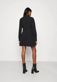 Missguided - BUTTON DOWN SKATER DRESS - Shirt dress - black - 2