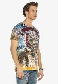 Cipo & Baxx - Print T-shirt - brown - 6