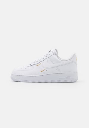 AIR FORCE 1 - Trainers - white/metallic gold/black