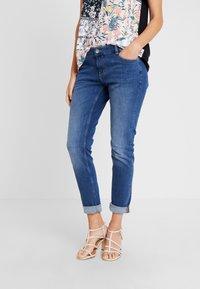 s.Oliver - SHAPE - Slim fit jeans - blue/stone wash - 0