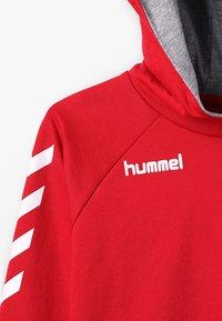 Hummel - HMLGO  - Hoodie - true red - 4