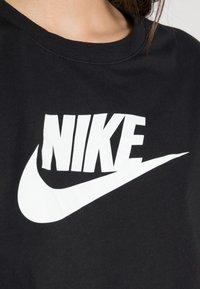 Nike Sportswear - TEE - T-shirts med print - black/white - 4