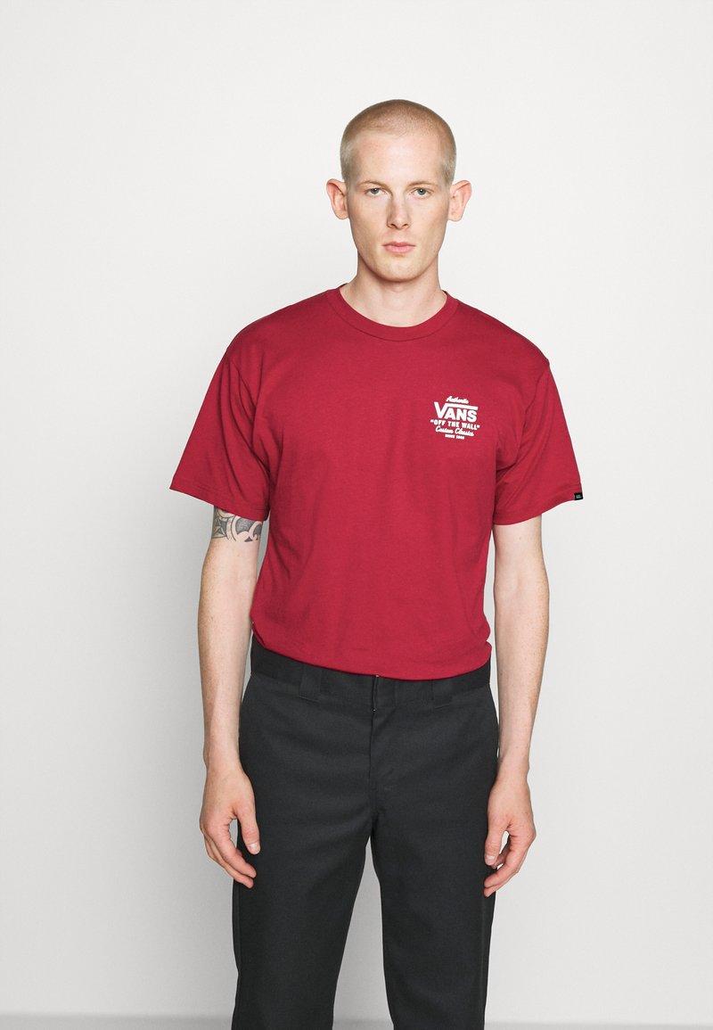 Vans - HOLDER CLASSIC - Print T-shirt - cardinal