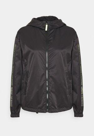 Lett jakke - black