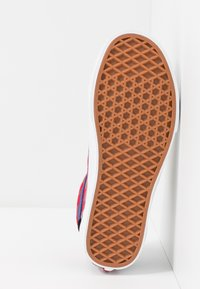 Vans - OLD SKOOL - Sneakersy niskie - red - 4