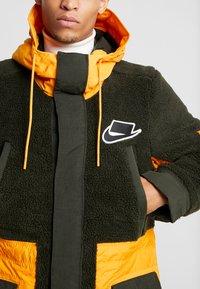 Nike Sportswear - FILL MIX - Übergangsjacke - kumquat/sequoia - 5