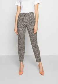 RIANI - SLIM FIT - Trousers - ivory - 0